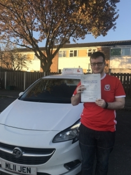 A fantastic drive this afternoon for David in Wrexham. First time pass with just 2 minors. The examiner said it was the best drive from the whole week and you should have had a clean sheet! Safe driving in your Yaris 🚘